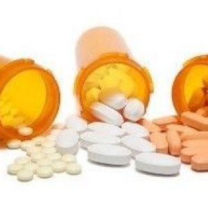 Антибіотики від прищів на обличчі: як правильно застосовувати?