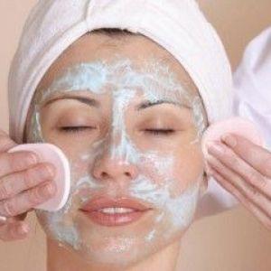 Аптечні і народні засоби для відновлення шкіри