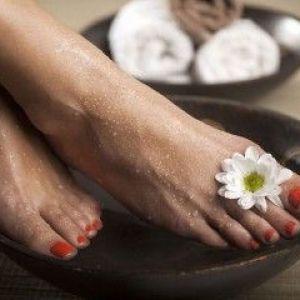 Бородавки на ступнях: причини і лікування недуги