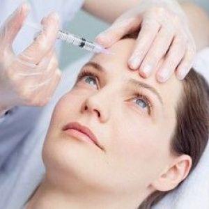 Гіалуронова кислота для догляду за шкірою: як доглядати за покровом особи і голови?