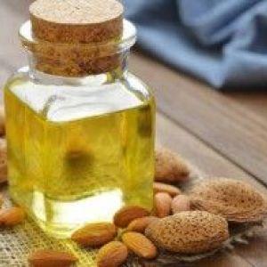 Використовуємо масло мигдалю для догляду за тілом