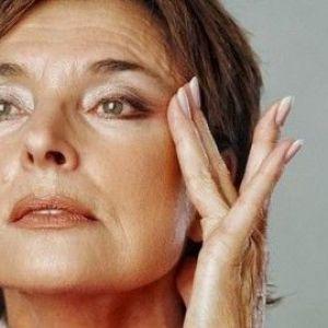 Як боротися з в`ялістю шкіри на шиї?