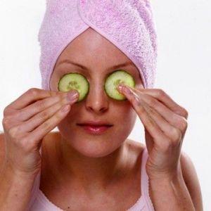 Як готувати маски від зморшок навколо очей після 40?