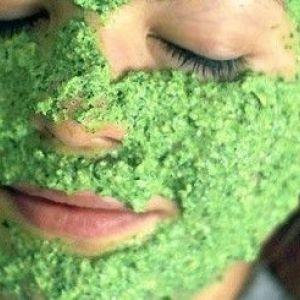 Як використовувати маску на основі петрушки для особи?