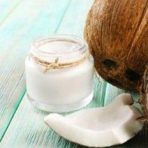 Кокосовий скраб для обличчя і тіла: ніжне очищення шкіри в домашніх умовах