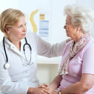 Червоні точки на тілі: причини і методи лікування. Відео