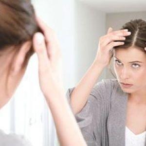 Лікування лупи і свербіння шкіри голови народними і медикаментозними засобами