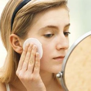 Кращі креми для догляду за обличчям після 40 років: як вибрати і на що звернути увагу?