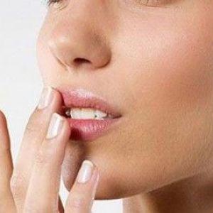 Маска для губ в домашніх умовах: як продовжити молодість?