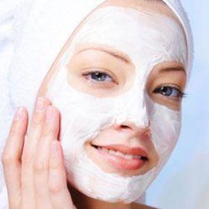 Маска для сухої шкіри обличчя як засіб, що допомагає продовжити молодість