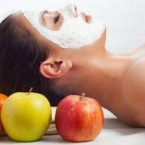 Маска з яблука для обличчя від прищів, в`ялої шкіри та інших проблем