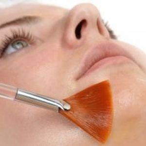 Мигдальний пілінг для обличчя в домашніх умовах. Популярно і ефективно