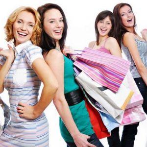 Модна осінь в магазині жіночого одягу!