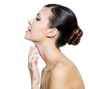 Правила догляду за шкірою шиї і декольте