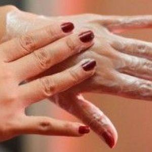 Правильний догляд за шкірою рук: які кошти використовувати?