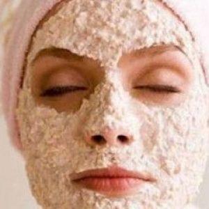 Проста маска з вівсянки для обличчя