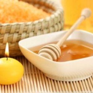 Скраб з меду і солі: дія і застосування